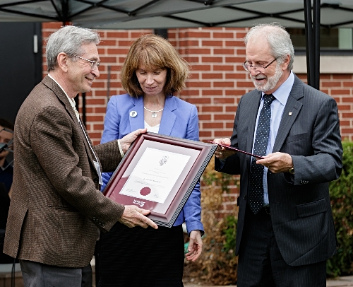 During the ceremony, President Deane presented Ken Blackwell (pictured right) with the Extraordinary Award for Outstanding Service. Blackwell served as Russell Archivist from 1968 until his retirement in 1996, and has continued to steward the collection as Honourary Russell Archivist ever since.