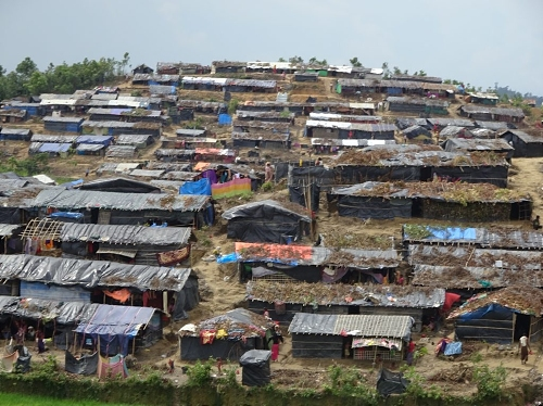 Image of makeshift huts built by Rohyingya refugees on the hillsides of Cox's Bazaar in southeastern Bangledesh.