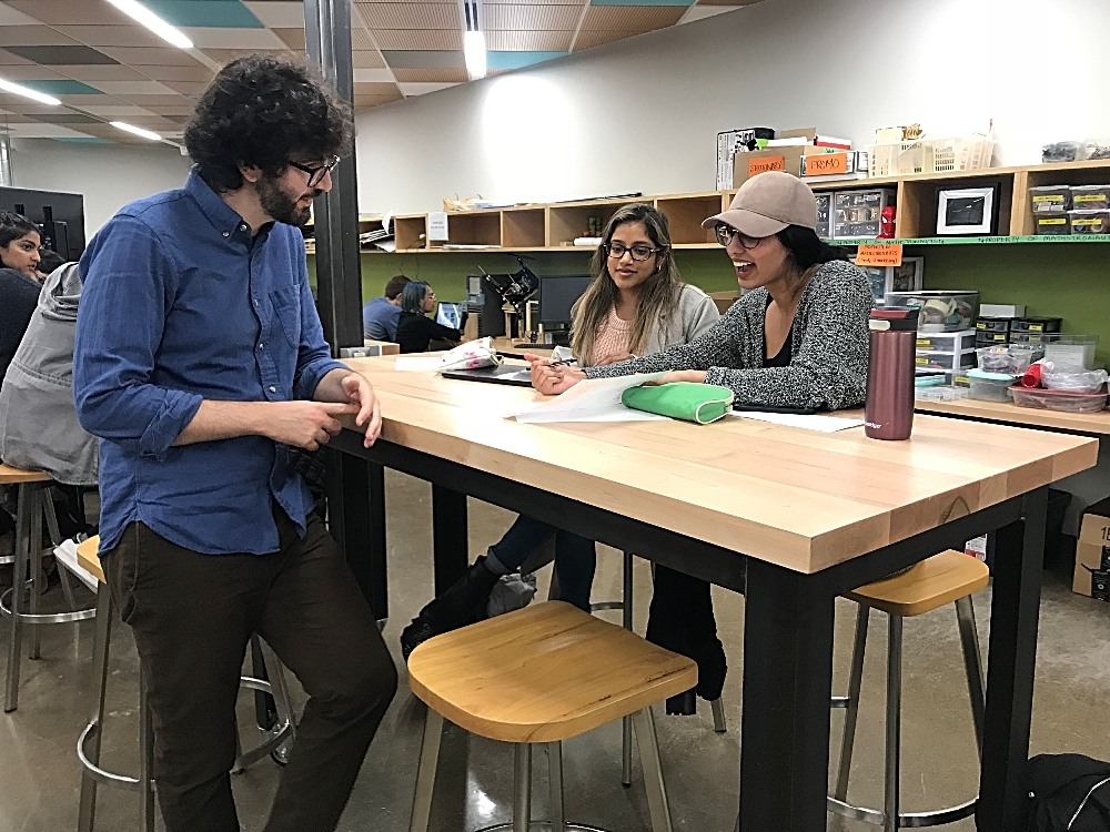 Neuroscientist and graphic novelist Matteo Farinella spoke to students about visual storytelling in McMaster University Library's Makerspace located in Thode Library.