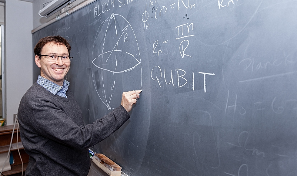 An undergraduate course taught by Duncan O'Dell, a professor of quantum physics in McMaster's Department of Physics and Astronomy, is providing students from a number of disciplines with an introduction to the theory behind quantum computing and other rapidly evolving quantum technologies